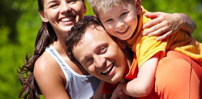 Samorząd za wydanie kart dla jednej rodziny (niezależnie od liczby jej członków) ma otrzymać 8,93 zł, a kwota ta ma być waloryzowana co dwa lata o wskaźnik inflacji