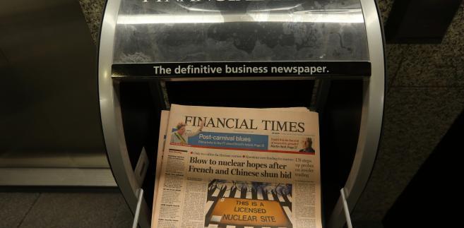 Licząca przeszło 120 lat gazeta, która po raz pierwszy została wydrukowana na różowym papierze w 1893 roku i wykupiona przez Pearsona w roku 1957, zatrudnia ponad 600 dziennikarzy i ma łączny nakład w wersji papierowej i elektronicznej w wysokości 600 tys.