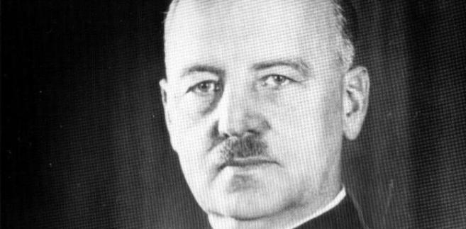 """W okresie 1928-1932 przebywał za granicą, głównie we Francji i Szwajcarii. Angażując się w działalność opozycyjną wobec rządów piłsudczyków był w 1936 r. jednym z inicjatorów utworzenia """"Frontu Morges""""."""