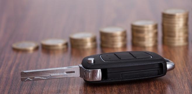 kredyt samochodowych-pieniądze-motoryzacja