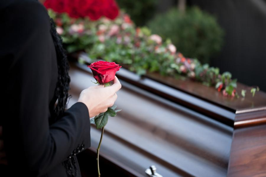 rodzina na pogrzebie