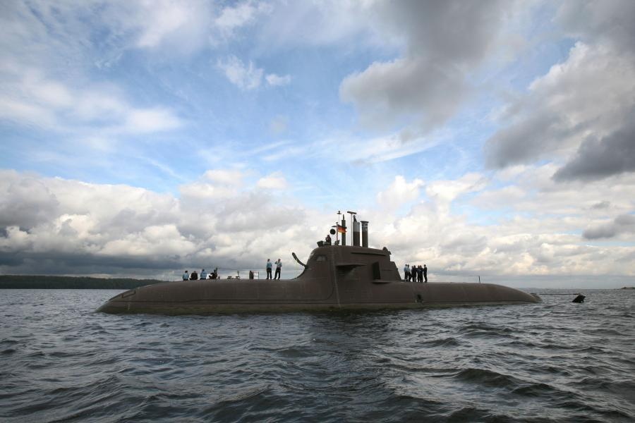 2157904-okret-podwodny-typu-212a-cc-by.j