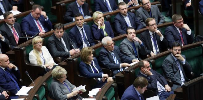 Liroy, Kukiz i Krzywonos: Zobacz pierwszy dzień nowych posłów w Sejmie