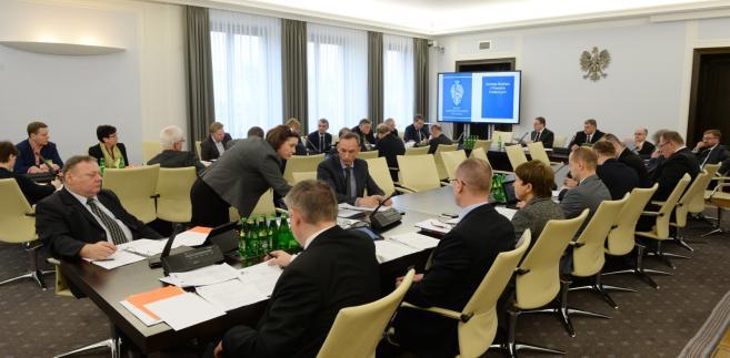 Posiedzenie senackiej Komisji Budżetu i Finansów Publicznych