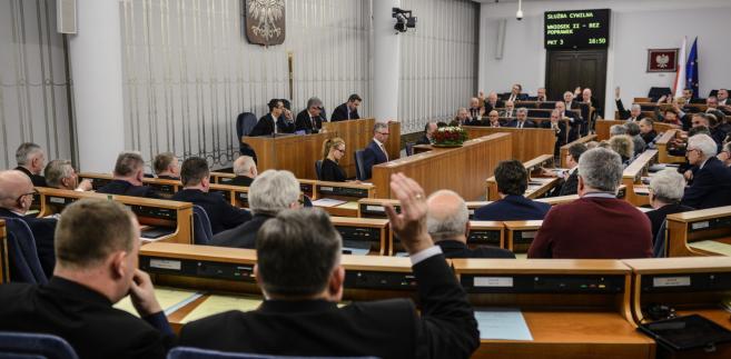 senat służba cywilna