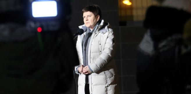 """""""W tej chwili kilka dni odpoczynku na ul. Parkowej, we wtorek zobaczymy się na konferencji prasowej w kancelarii po posiedzeniu Rady Ministrów"""" - dodała."""