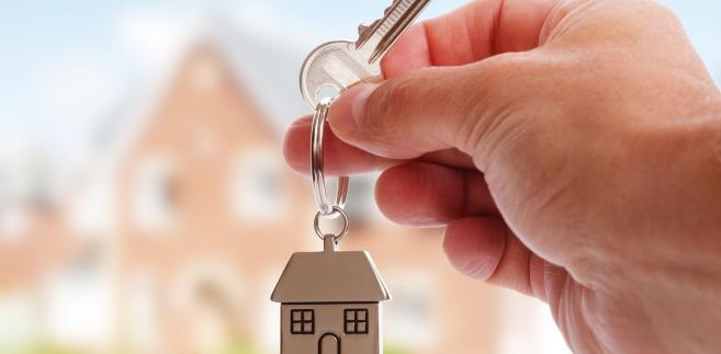 ETPC wskazał, iż ustawa przeciwdziałająca gettoizacji była dostępna publicznie i skarżąca mogła się z nią zapoznać przed podjęciem decyzji o zmianie miejsca zamieszkania