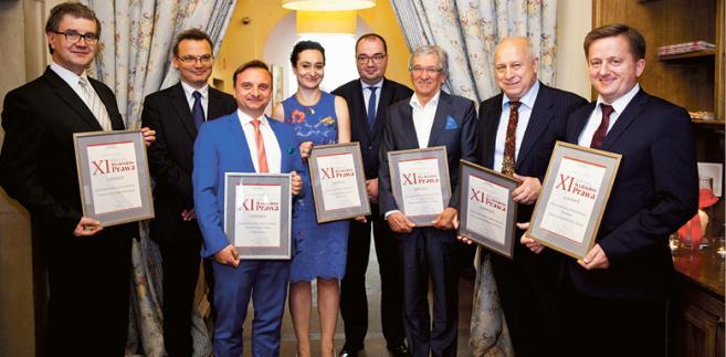 Laureaci XI Rankingu Wydziałów Prawa z redaktorem naczelnym DGP Krzysztofem Jedlakiem