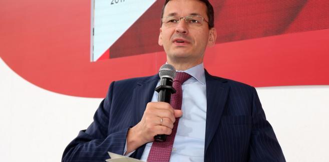"""""""Szkolnictwo dualne jest potrzebne, bo najlepiej rozpoznaje potrzeby rynku, w tym rynku lokalnego"""" - powiedział Morawiecki"""