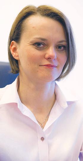 Jadwiga Emilewicz, od listopada 2015 r. podsekretarz stanu w Ministerstwie Rozwoju, absolwentka Instytutu Nauk Politycznych Uniwersytetu Jagiellońskiego. Od 2003 r. związana z Wyższą Szkołą Europejską im. ks. J. Tischnera w Krakowie