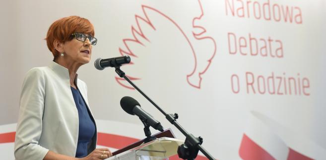 Minister zwróciła uwagę, że rząd podjął wiele inicjatyw, aby poprawić sytuację polskich rodzin