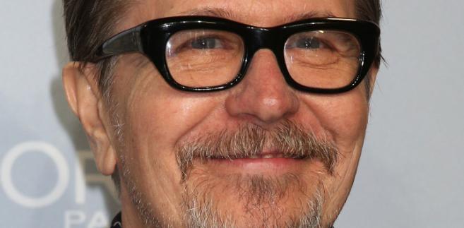 """Oldman, zdobywca nominacji do Oscara w kategorii dla """"najlepszy aktor pierwszoplanowego"""" w 2012 r. za rolę w filmie """"Szpieg"""", podczas niemal czterdziestoletniej kariery wystąpił w blisko 70 filmach i serialach"""