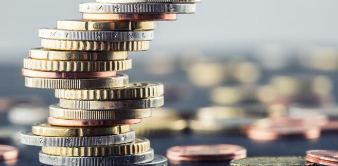 """""""Dziś spodziewamy się dalszego nieznacznego umocnienia złotego w czym pomóc powinny, wg. nas dobre wyniki aukcji (krajowych obligacji - PAP)"""" - napisali w porannym raporcie ekonomiści z BZ WBK."""