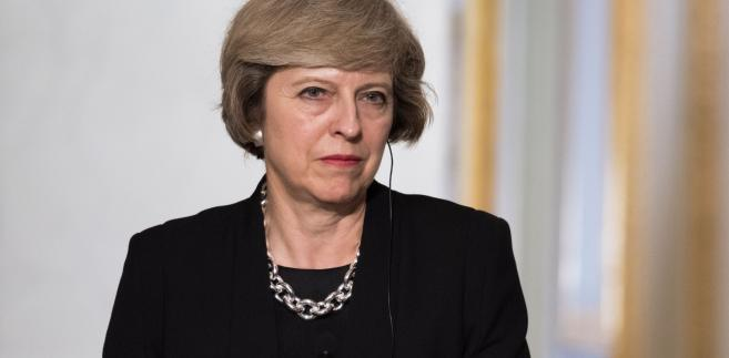 """""""Stworzymy nowy system migracyjny, który jest uczciwy, ale też działa na rzecz interesów Wielkiej Brytanii""""-Theresa May"""