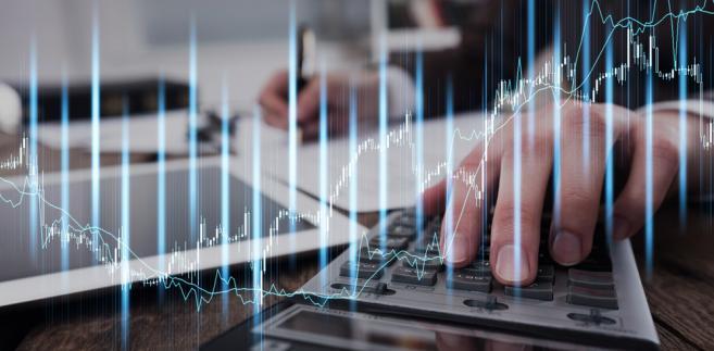 Według ekonomistów z BZ WBK, EUR/PLN może w środę pozostać blisko 4,30.