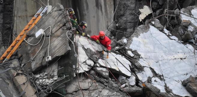 Zawalił się most-wiadukt na autostradzie w Genui. Zginęło 35 osób
