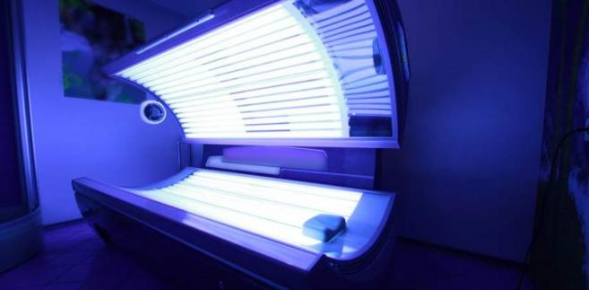 Ustawa przewiduje całkowity zakaz promocji i reklamy usług w zakresie udostępniania solariów.