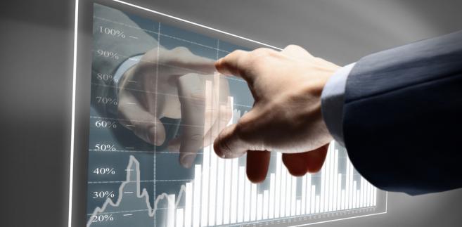 Można wyróżnić trzy główne czynniki wpływające na decyzje Rezerwy Federalnej w zakresie polityki pieniężnej