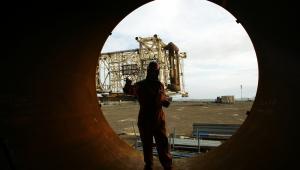 Kontrakty terminowe na gaz ziemny wzrosły o połowę z poziomu wieloletniego dołka odnotowanego w kwietniu.