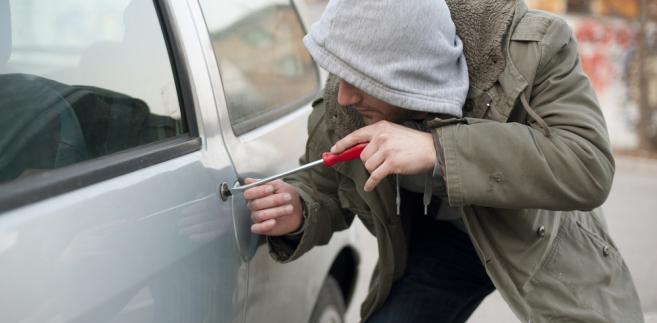 Specjaliści od włamu nie kradną pojazdów dla siebie, tylko na zlecenie grupy, z którą współpracują.