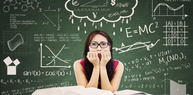 Co roku w wakacje grupa młodych geniuszy reprezentuje kraj w prestiżowych zmaganiach naukowych w kilku dziedzinach.