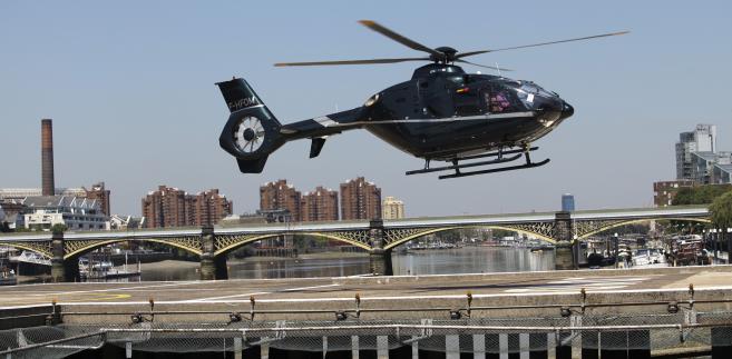 """""""Mamy prostą regułę: jeśli jakiś kraj jest zainteresowany kupnem 50 lub więcej śmigłowców, to jest to wystarczający powód, by nawiązać intensywną współpracę"""" - powiedział prezes Eurocopter, Lutz Bertling."""