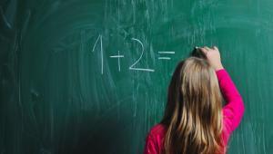 Czytaj: Szkoła to rzeźnia talentów. Błyskawicznie zabija matematyczne zdolności
