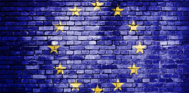 Oettinger powiedział podczas debaty na temat przyszłości finansów UE, że wraz z wyjściem Brytyjczyków z Unii Europejskiej zniknie też rabat brytyjski w unijnym budżecie.