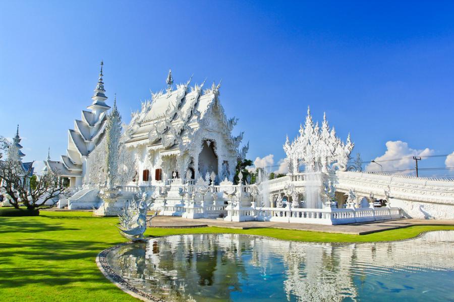 Wat Rong Khun –  Biała Świątynia