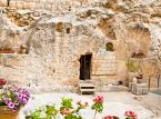 Grób w Ogrodzie – grota położona w Jerozolimie, która przez protestantów, anglikanów i mormonów jest uznawana za autentyczny grób Jezusa.