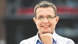 Oskar Berezowski analityk mediów społecznościowych