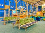 Przymusowy postój na lotnisku? Sprawdź, co przysługuje pasażerowi