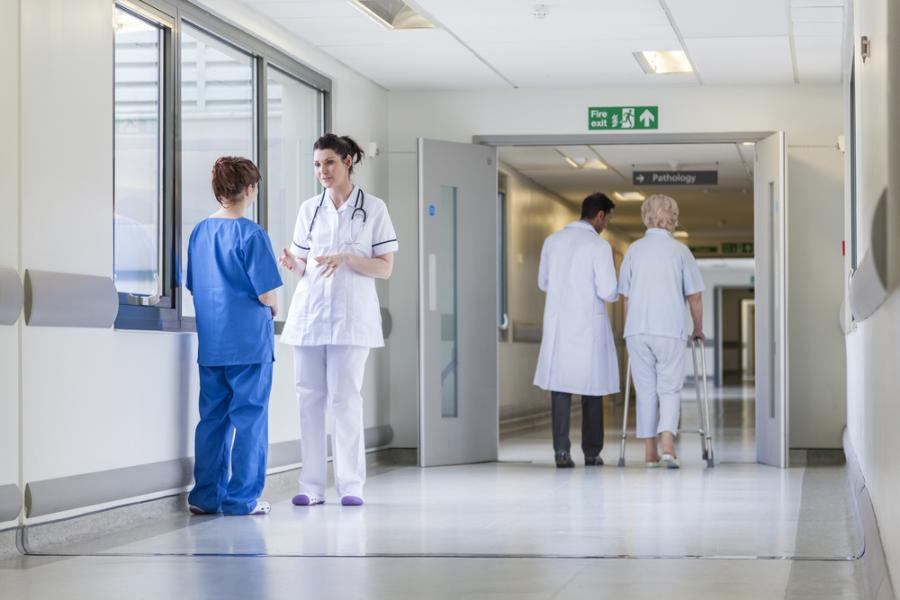 szpital, lekarze, pacjenci