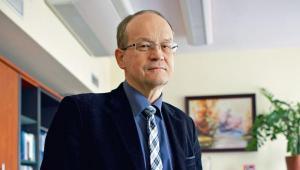 Andrzej Sławiński, profesor nauk ekonomicznych, wykładowca SGH. Dyrektor Instytutu Ekonomicznego NBP, były członek RPP
