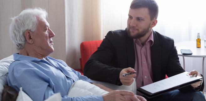 emeryt, umowa, zdrowie, chory