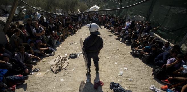 Imigranci na wyspie Lesbos w Grecji