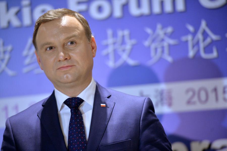 Andrzej Duda na konferencji prasowej po otwarciu Polsko-Chińskiego Forum Gospodarczego w Szanghaju.