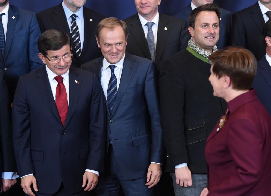 Premier RP Beata Szydło oraz premier Turcji Ahmet Davutoglu,  szef Rady Europejskiej Donald Tusk, PAP/Radek Pietruszka