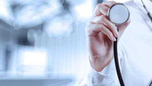 Młodzi lekarze mają nadzieję, że sprawa nie jest przesądzona.