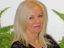 Prof. Jadwiga Stawnicka pracuje w Zakładzie Socjolingwistyki i Społecznych Praktyk Komunikowania Uniwersytetu Śląskiego w Katowicach
