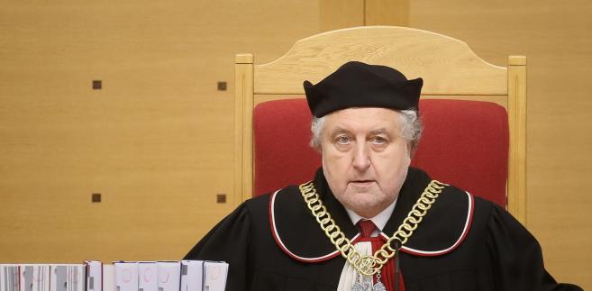 Prezes TK Andrzej Rzepliński na sali rozpraw