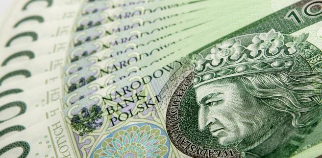 """W opinii Rafała Sadocha z DM mBanku notowania złotego w środę, w porównaniu do innych walut regionu """"prezentowały się dość dobrze""""."""