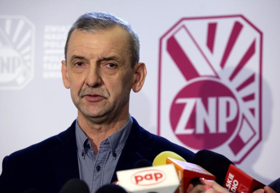 Prezes Związku Nauczycielstwa Polskiego Sławomir Broniarz podczas konferencji prasowej
