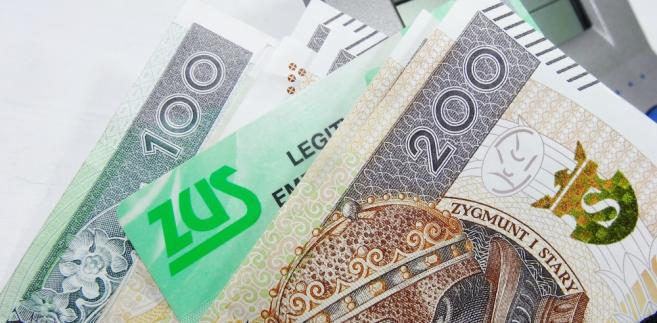 Niższa składka miałaby dotyczyć przedsiębiorców z przychodem nie większym niż 5 tys. zł.