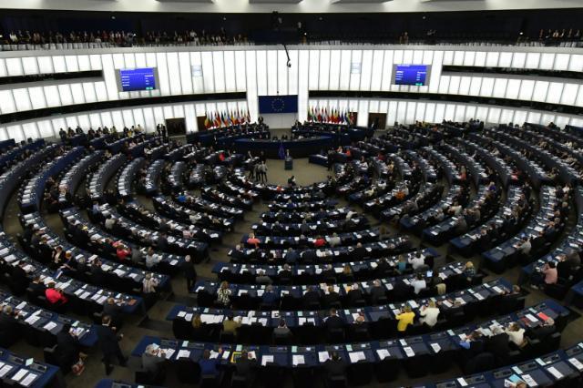 PKB. A apetyt PiS na pewno na tym się nie skończy, wielu polityków chciałoby dalej idących gestów finansowych pod adresem emerytów i rolników. Paradoksalnie Bruksela może stać się sprzymierzeńcem minister finansów Teresy Czerwińskiej w pilnowaniu budżetu na 2019 r.