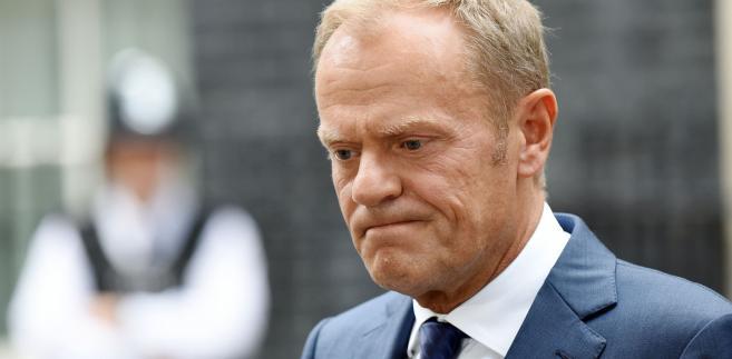 """""""Możecie w Polsce zapytać prezesa Kaczyńskiego, czy przyjmuje takie wyzwanie"""" - dodał Tusk."""