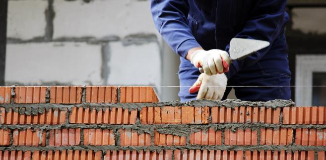 W ubiegłym roku w całym budownictwie pracowało ponad 900 tys. pracowników