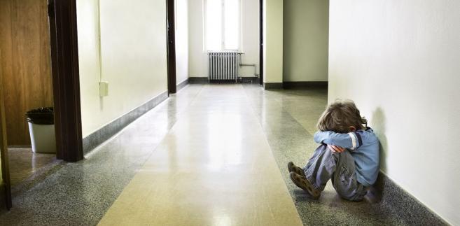 73 tys. dzieci w znajdowało się pieczy zastępczej w zeszłym roku.