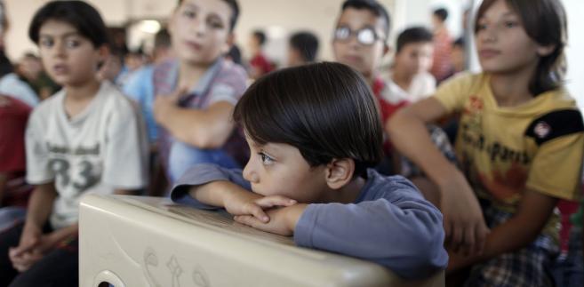 Dzieci uchodźców chodzą do ok. 50 szkół.