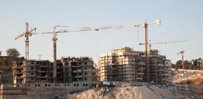 """Jak podał ekspert, """"zdarzają się także sytuacje, że wygaszana jest sprzedaż mieszkań w inwestycjach realizowanych z bieżących środków ze sprzedaży mieszkań""""."""